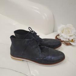 Vabaaja jalanõu (Caprice)